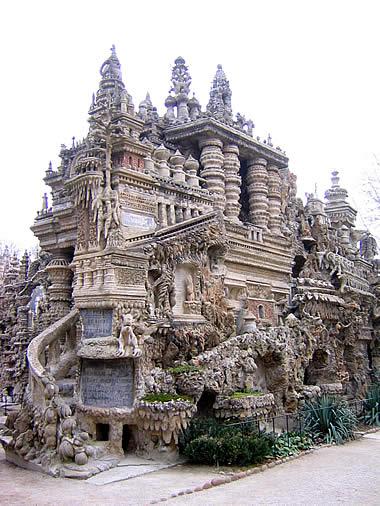 奇妙な建造物の画像