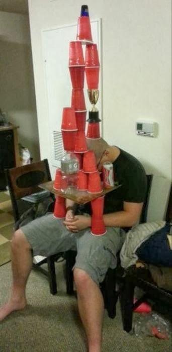 お酒を飲んで、逆にお酒に飲まれた人の無様な写真