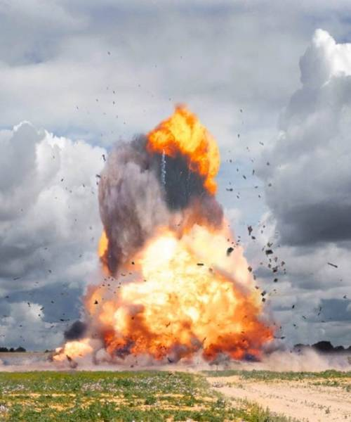 大爆発の瞬間を捉えた写真