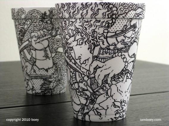 使い捨てコップに黒ペンで描いたイラスト