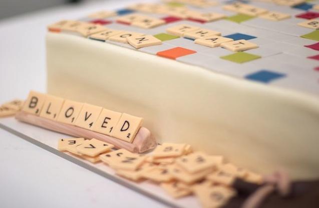 元NASAのエンジニアが作る面白デザインのケーキ写真