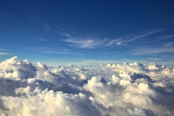 飛行機は窓際の席に座るべきだと確信する10枚の写真