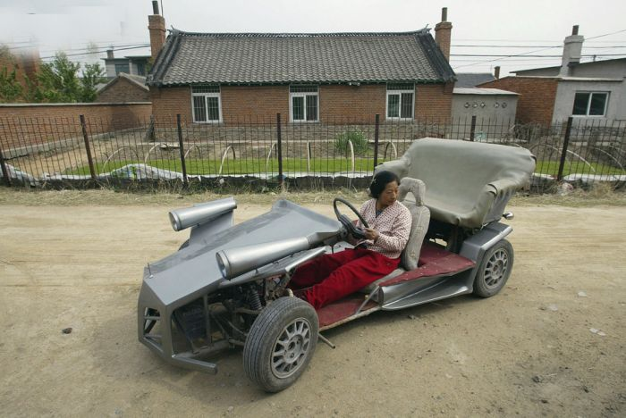 世界で見かける変わった車両の写真