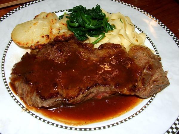 どうしても食べたくなるステーキの写真
