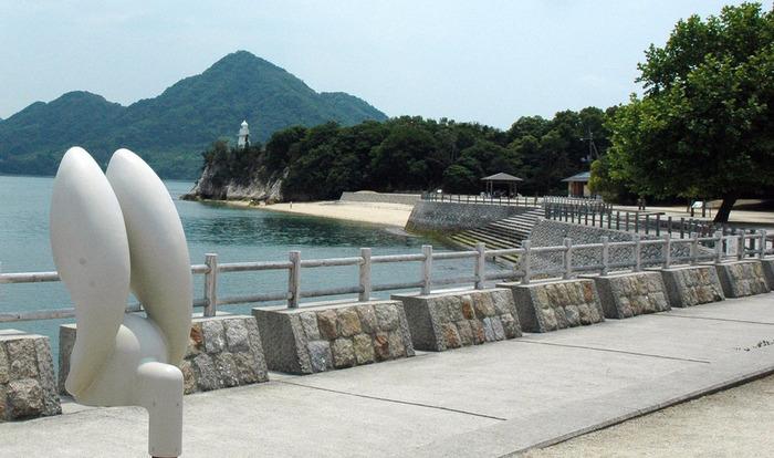 うさぎの天国になってる「大久野島」